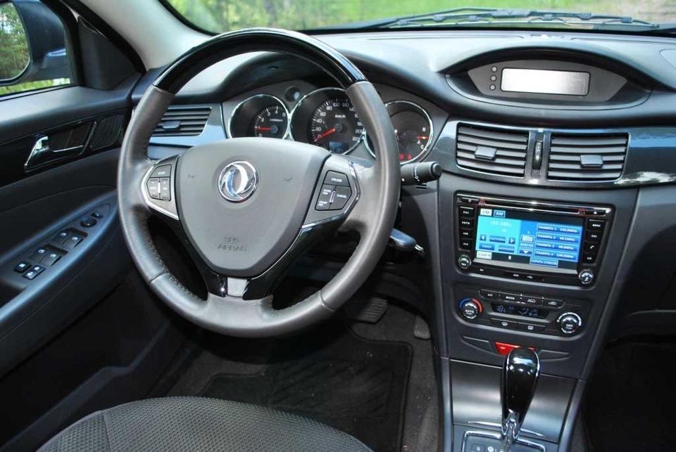 Обзор автомобиля Dongfeng S30